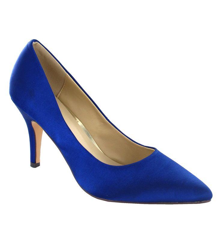 Modré saténové lodičky Menbur Nádherné lodičky v nádherné královsky modré barvě, které budou skvělým doplňkem Vašeho outfitu. Výška podpatku 8 cm. Svrchní materiál: satén, stélka transpirační (proti pocení).