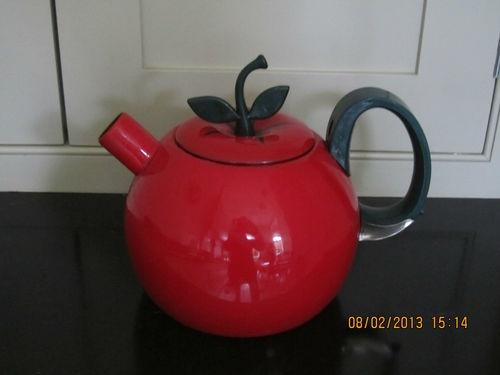 Novelty Tea Kettles ~ Tea pots kettle and enamels on pinterest