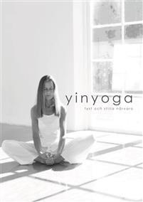 Yinyoga är en lugn och avslappnande yogaform i varandet. Du intar varje sittande position efter din egen rörelsebana och kapacitet, sitter stilla över tid samtidigt som du slappnar av. Du påverkar bland annat ditt rörelseomfång, nervsystem och hormonsystem positivt. Du släpper ditt görande och dina prestationskrav för en stund i stillhet, medveten närvaro och acceptans. Boken innehåller grundtankar om yinyoga, vad man ska tänka på och många andra bra tips. Den avslutas med 25 positioner som…
