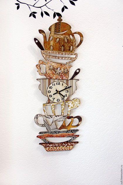 "Wall clock for kitchen / Часы для дома ручной работы. Часы настенные ""Гора посуды"". Изделия ручной работы от Zuli. Ярмарка Мастеров. Часы настенные"