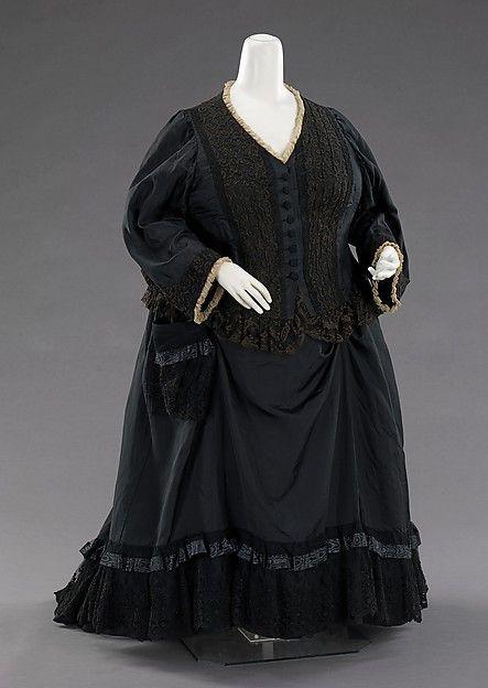 Victorians weren't only skinny women! Mourning dress, 1894, silk, British