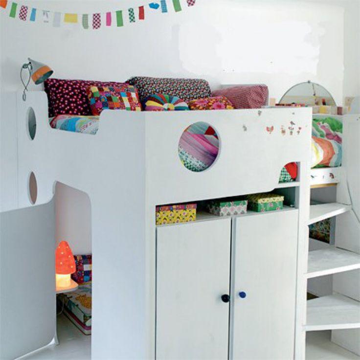 Une chambre de fille aménagée dans un cube