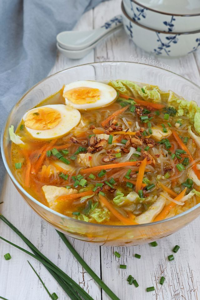Chicken Sotanghon Soup - A tasty and immune-boosting Filipino chicken soup with slippy cellophane noodles