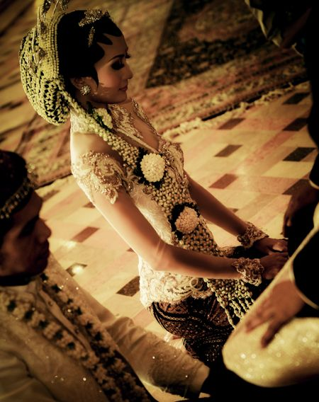 Modern design wedding kebaya