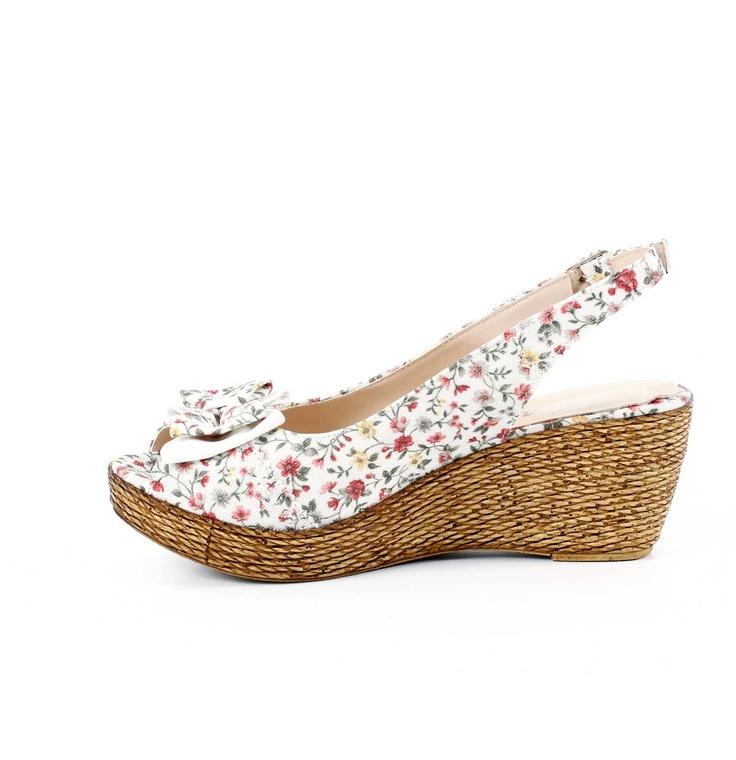 Daisy Fiyonklu Dolgu Topuk Sandalet
