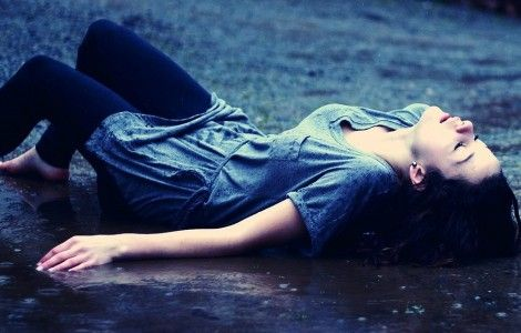 Alone Girl Wet Wallpaper
