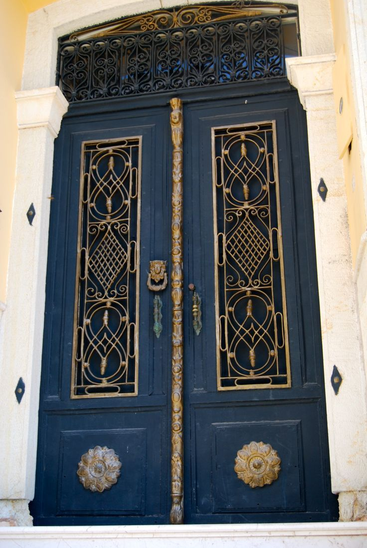 Bedroom english french dictionary wordreference com - Turkey Entrance Doors Doors Galore Decorative Doors Blue Doors Travel Aesthetic Images Education Scrapbook