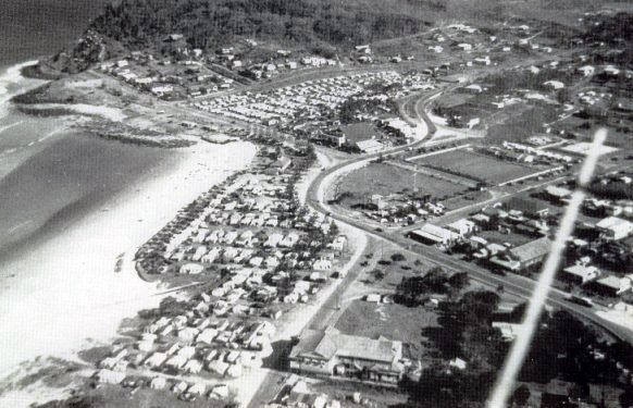 1950 Burleigh Heads showing camping on the foreshore