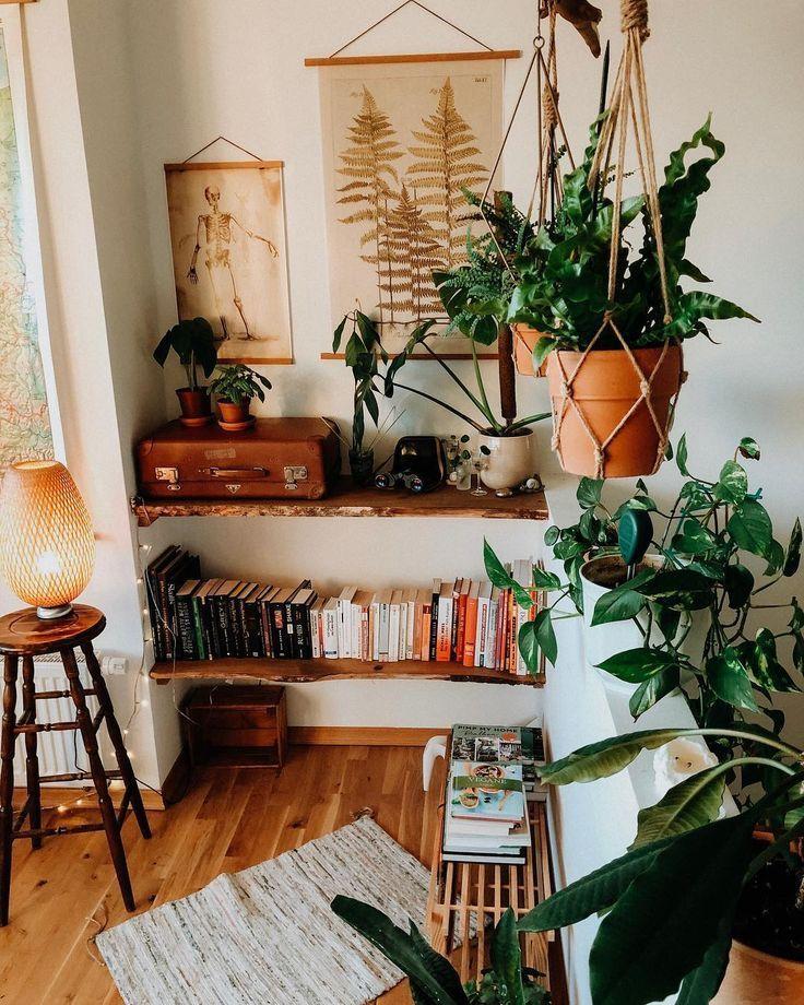 "Jule Amelie on Instagram: ""Who does the suitcase remind of Siebenstein? 😄 ♥ ️🌿 (or to Newt Scamander? 🎞) #interior #leipzig #plantlover # vintage"
