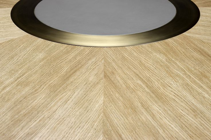 LUNE TABLE DETAIL by Duistt