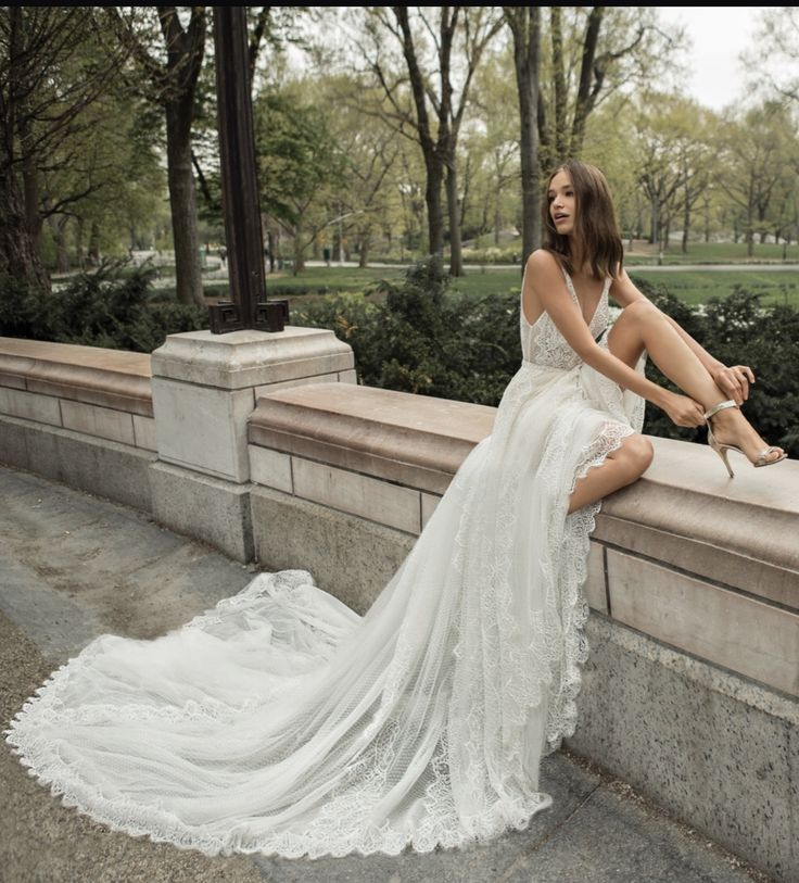 Chic Long Train Lace Sexy wedding dress | Layers of lace and tulle | Josephin by FLORA 2018