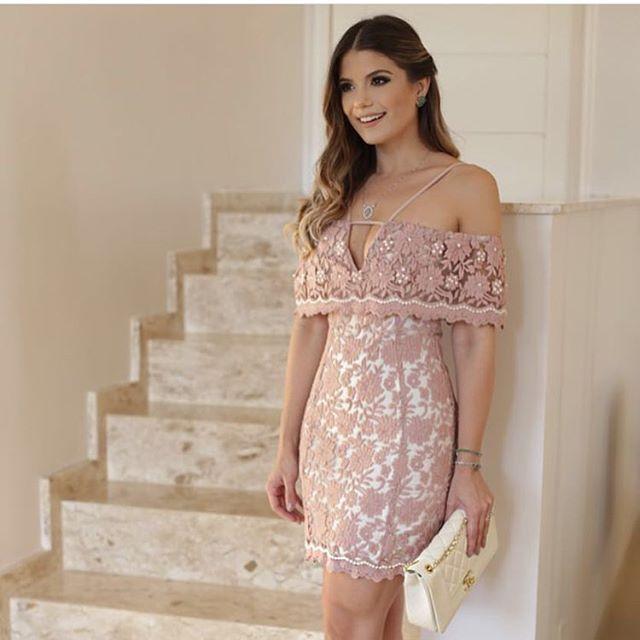✨Meninas... Mais uma joia para nossa coleção!! Vestido super delicado com aplicações em pérolas!!✨ Disponível em nosso site: www.maboboutiq… in 2019 | Dresses, Fashion dresses, Prom dresses with pockets