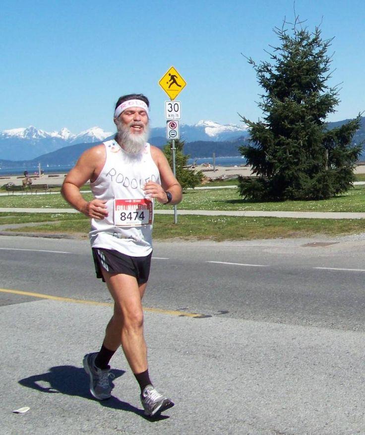 Rodolfo Lucena fará 60 anos em fevereiro e, por isso, lançou-se a um desafio ambicioso, até para alguém como ele, acostumado a correr maratonas desde os 41. Jornalista, escritor e maratonista, mais...