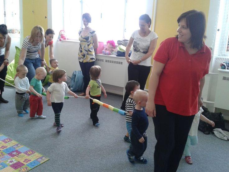 Cvičení rodičů s dětmi :: mimino-batole.cz