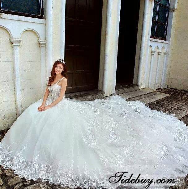 Wedding dresses: huge wedding dress