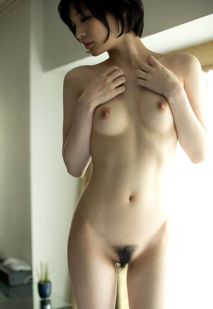 erotique* is the site which chooses Japanese pinup model, pornography actress and picture of a...