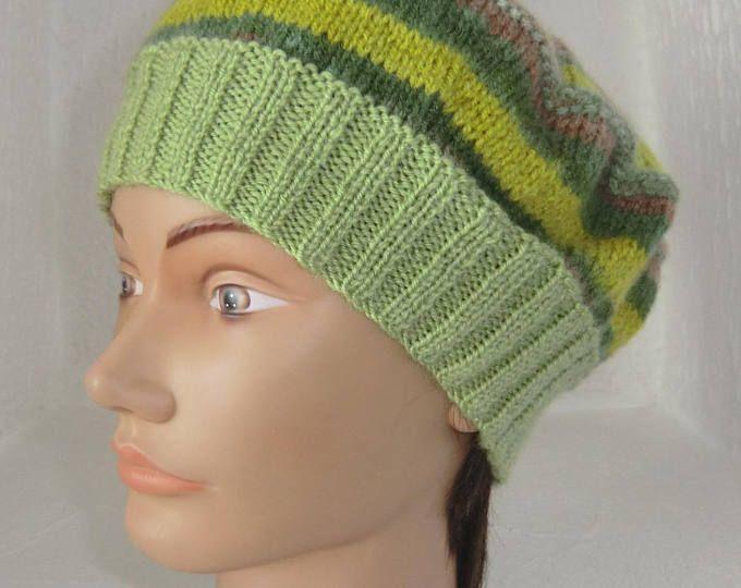 Bonnet Toque - Tricoté à la main - En laine fantaisie - Coloris dégradé vert marron beige - Adolescente ou Femme - Modèle Unique