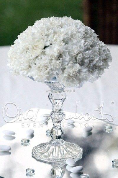 #centrotavola cristallo e #garofani bianchi