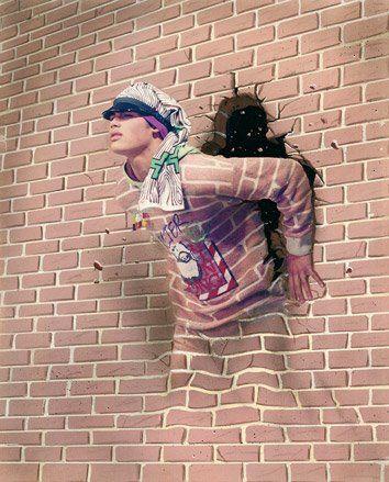 Rompe las paredes,los muros....no te detengas....¡avanza!