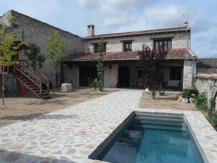 Casa en alquiler con piscina. Cozuelos de Fuentidueña (Segovia). Publicado en Rentalia ref.221554. Contacto directo con el propietario.