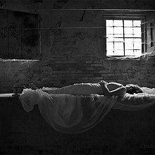 ...una parte invisibile dell'essere umano lascia il corpo e continua a vivere.