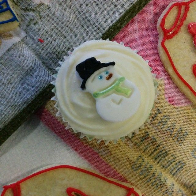 One of the cupcakes.