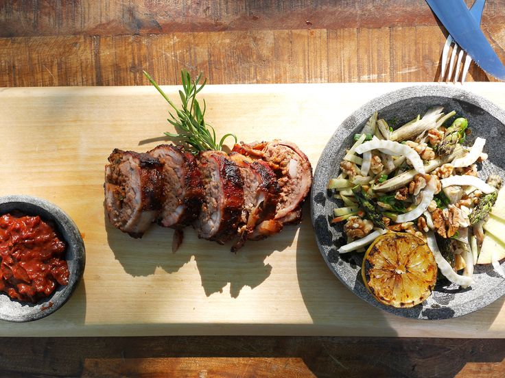 Baconexplosion med BBQ-sås och fänkålssallad | Recept från Köket.se