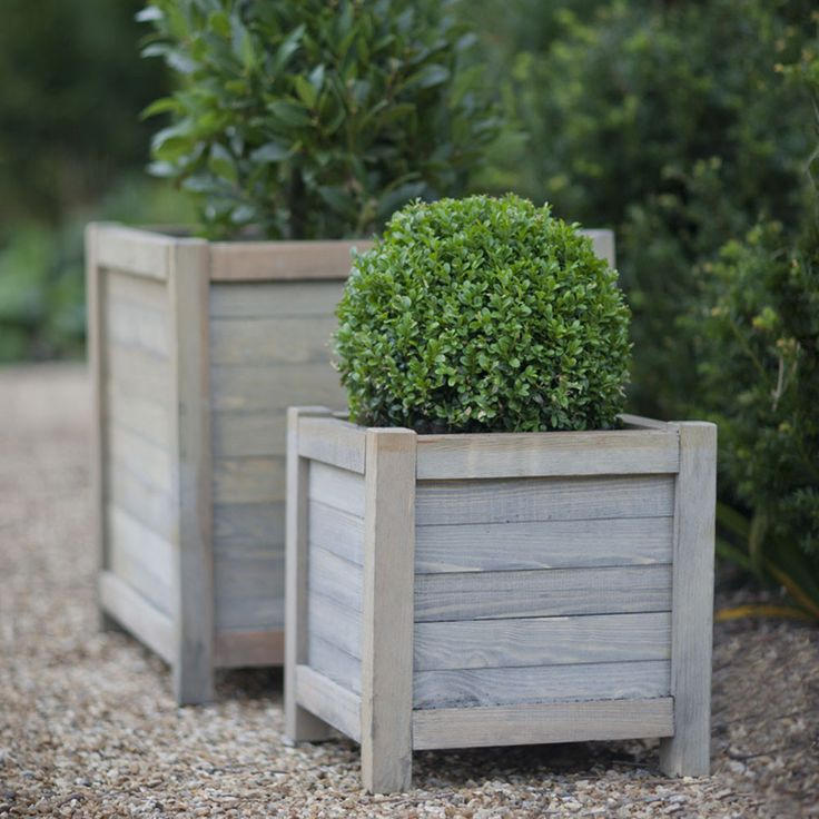 Discover+the+Garden+Trading+Wooden+Planter+-+40cm+at+Amara