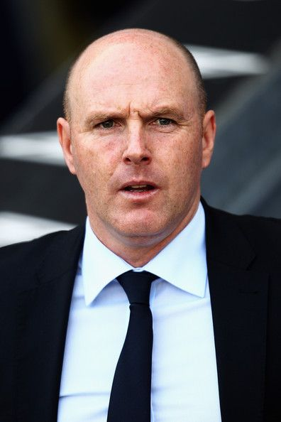 Steve Kean Photos Photos - Blackburn Manager, Steve Kean look on during the Barclays Premier League match between Blackburn Rovers and Birmingham City at Ewood park on April 9, 2011 in Blackburn, England. - Blackburn Rovers v Birmingham City - Premier League