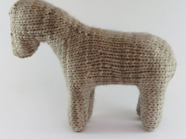 How to Stuff and Shape a Knitted Toy 17