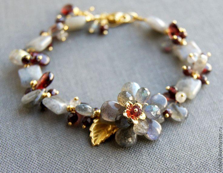 """Купить Браслет """"Восторг"""" - серый, лабрадор, браслет, браслет из камней, браслеты, авторские украшения, цветок"""