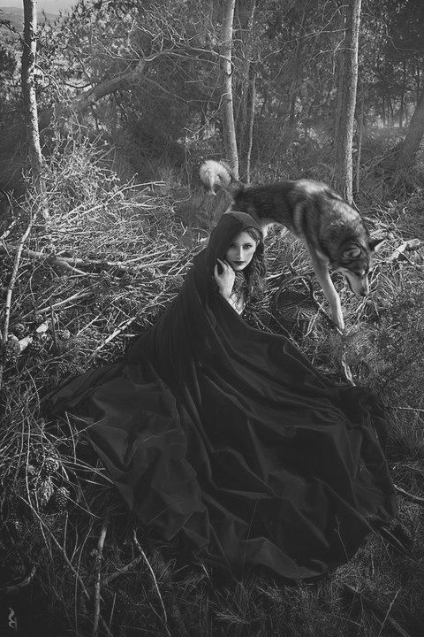 Did you really need color?  Red Riding Hood by Rebeca Saray. ☀