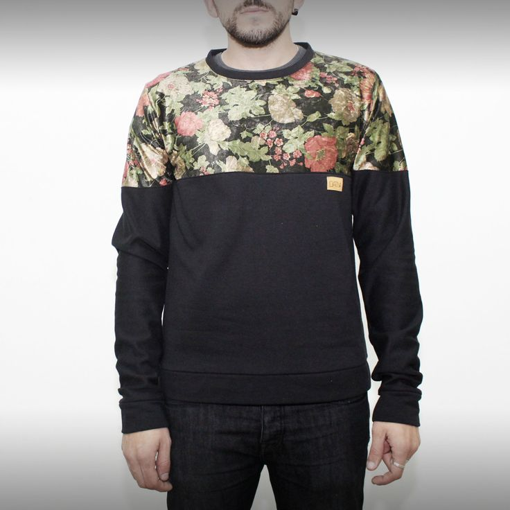 Black and floral pattern sweatshirt on www.green-fits.com