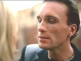 Anthr screenshot of Peter Greene as Darion Tyrell in 1994's the Mask w/ Jim Carrey & Cameron Diaz