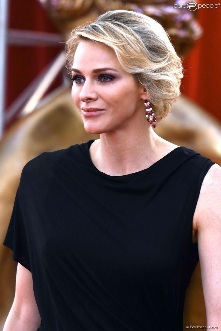 La princesse Charlene de Monaco inaugurait le 13 juin 2015 le 55e Festival international de télévision de Monte-Carlo, au Grimaldi Forum.