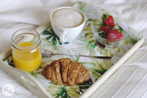 Anatomía del perfecto desayuno en la cama/ Anatomy of a perfect breakfast in bed