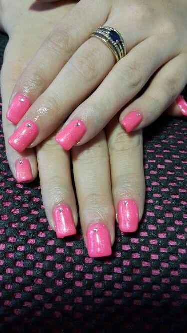 Pienk gel nails with diamanté s