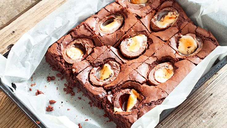 These Creme egg brownies will bring everyone to the table this Easter