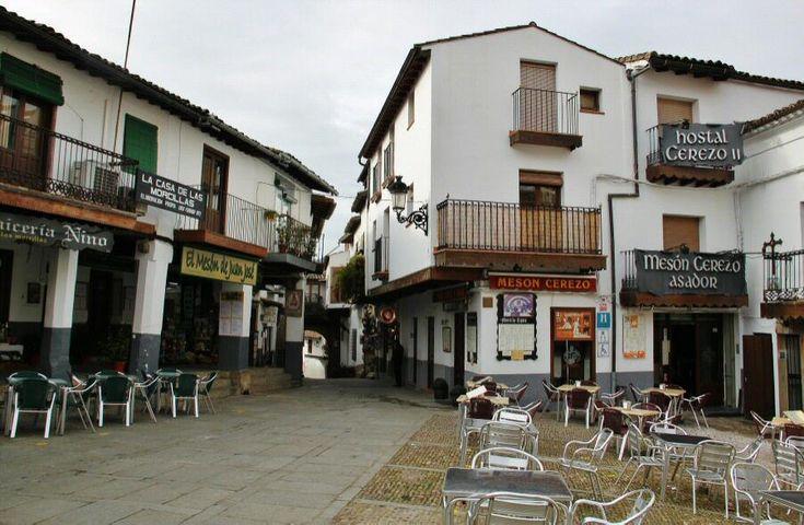Plaza de Santa María de Guadalupe en Extremadura