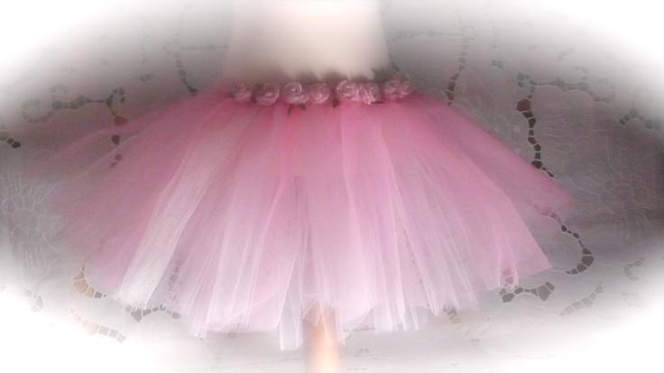 Kinder-Elfen-Rock .Tülltanzrock , für Karneval oder Ballett. Größe :116 bis 134.   Auch in weiß  und violett. Die Rosen auf dem Rock sind handgenäht.