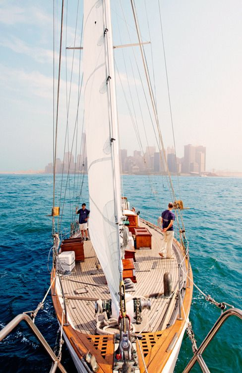 ⚓Come sail away