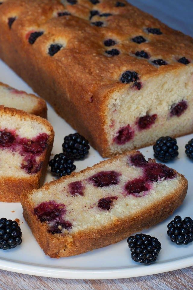 Huis, tuin en keukenvertier: Yoghurtcake met bramen