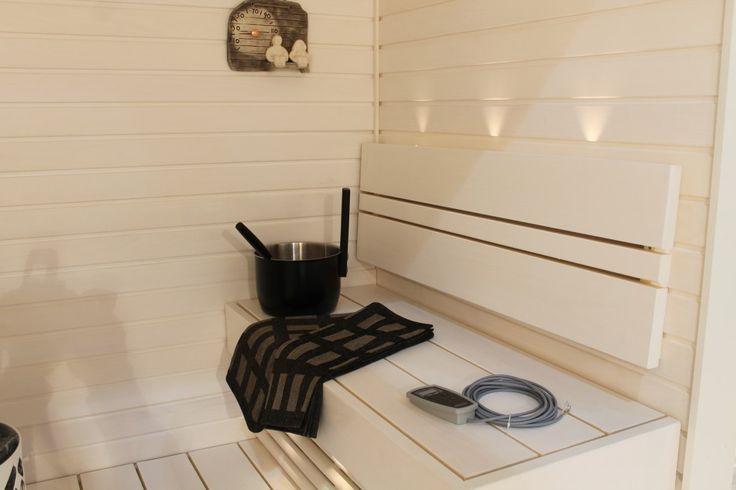 white sauna <3