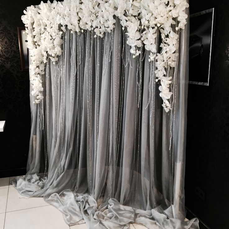 Love this for a bridal shower or baby shower back drop!