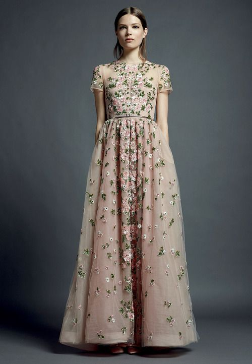 gorgeous: Valentino Resorts, Wedding Dressses, Runway Fashion, Fashion Week, Flowers Girls, Resorts 2013, Bride, Aodai, Ao Dai