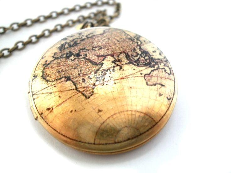 **Medaillon Weltreise 3**Medaillon Halskette von LoloMio      auf DaWanda.com