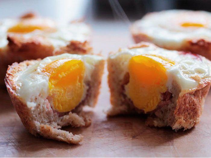 DIY Rezept: Toast Muffin mit Ei und Schinken backen // diy recipe: breakfast muffin with egg and bacon/ham via DaWanda.com