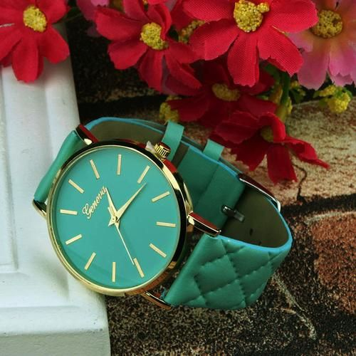 Simple Unisex Dress Watch with Checkers Patterned Leather Band