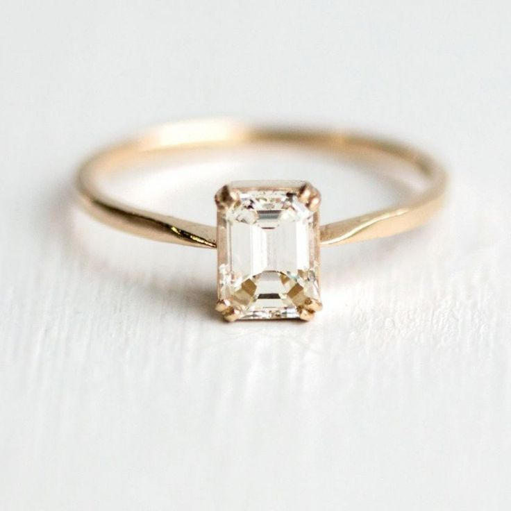 These 9 Minimalist Engagement Rings Prove That Less Can Be More