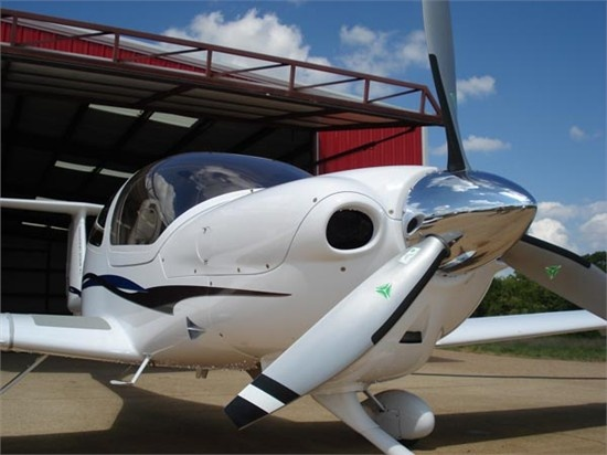Diamond DA40 XLS Aircraft - Max Range: 785 nm, Crew: 1, Normal Cruise: 150 kts, Ceiling: 16400 ft